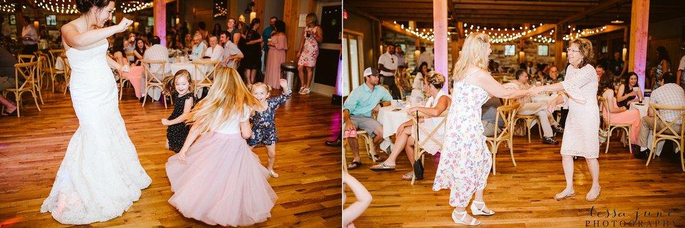 gathered-oaks-barn-wedding-alexandria-minnesota-188.jpg