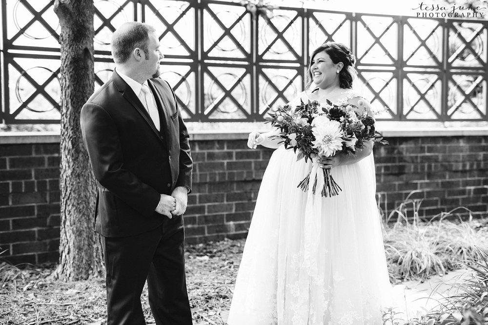minneapolis-summer-wedding-at-silverwood-park-pristine-floral-28.jpg