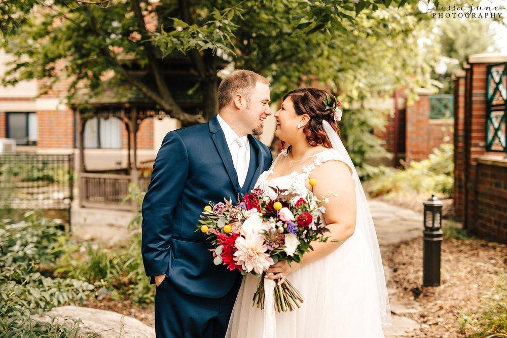 minneapolis-summer-wedding-at-silverwood-park-pristine-floral-30.jpg