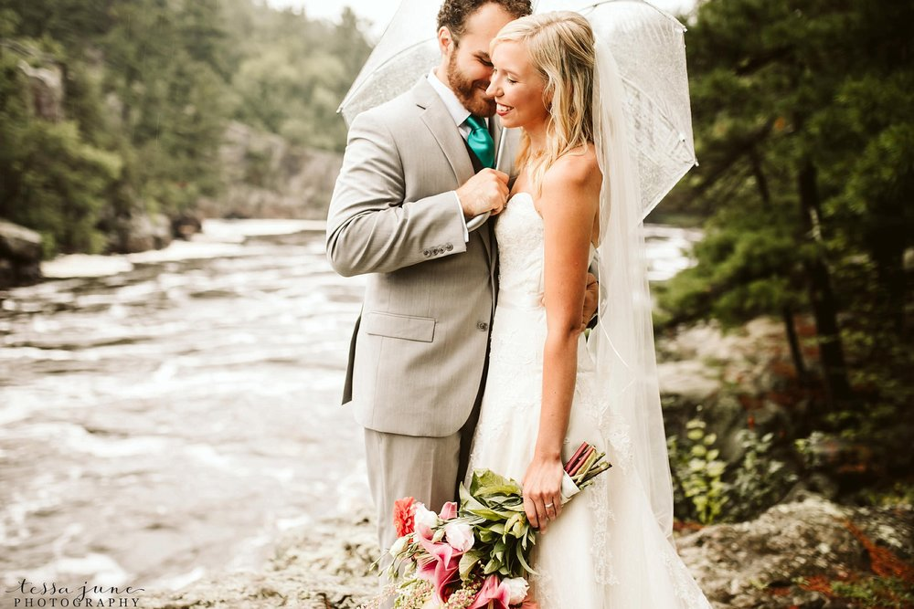 taylors-falls-rainy-elopement-wedding-interstate-state-park-4.jpg