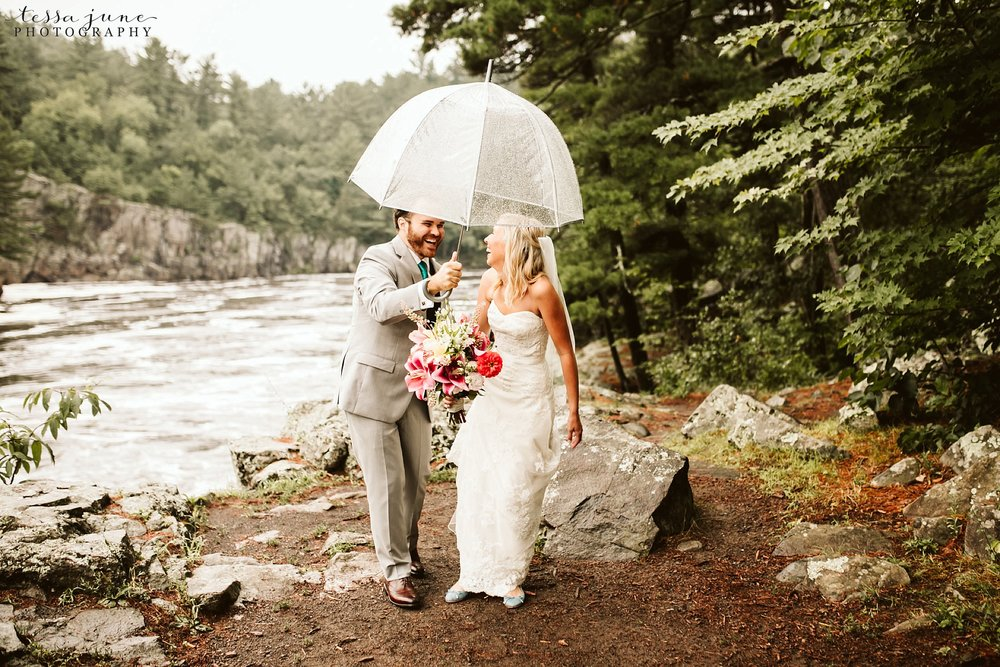 taylors-falls-rainy-elopement-wedding-interstate-state-park-6.jpg