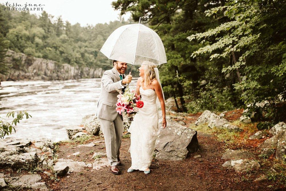taylors-falls-rainy-elopement-wedding-interstate-state-park-6.jpg
