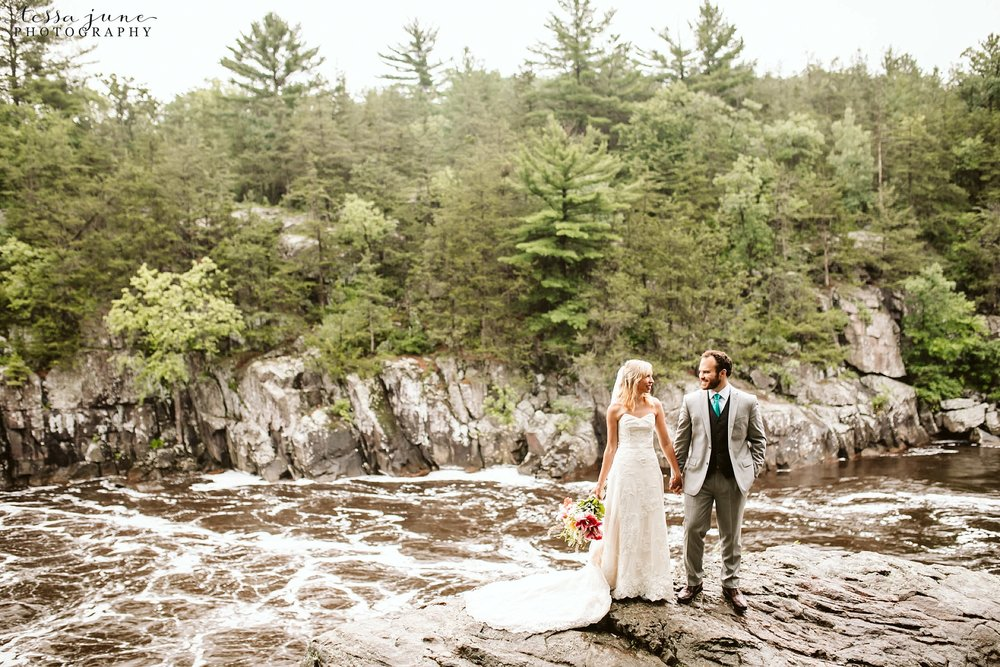 taylors-falls-rainy-elopement-wedding-interstate-state-park-8.jpg