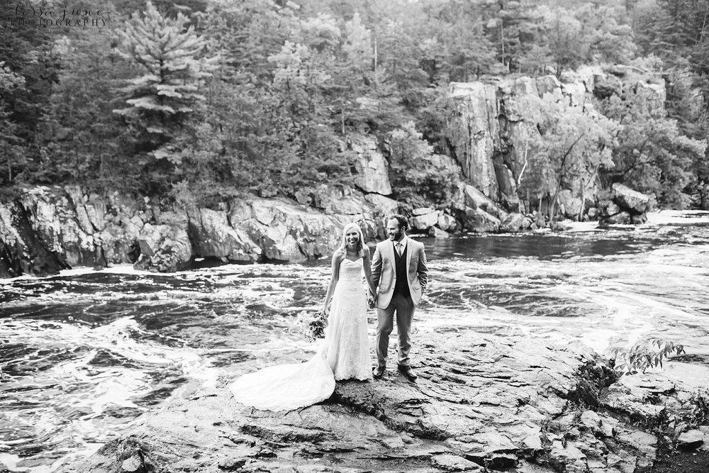 taylors-falls-rainy-elopement-wedding-interstate-state-park-9.jpg
