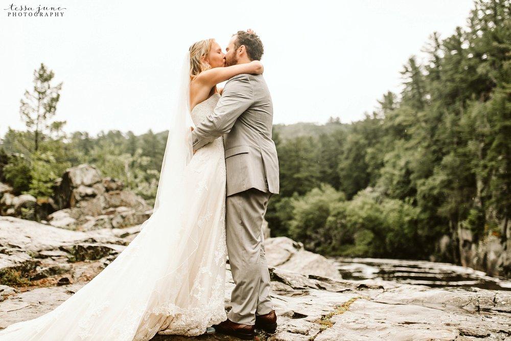 taylors-falls-rainy-elopement-wedding-interstate-state-park-61.jpg
