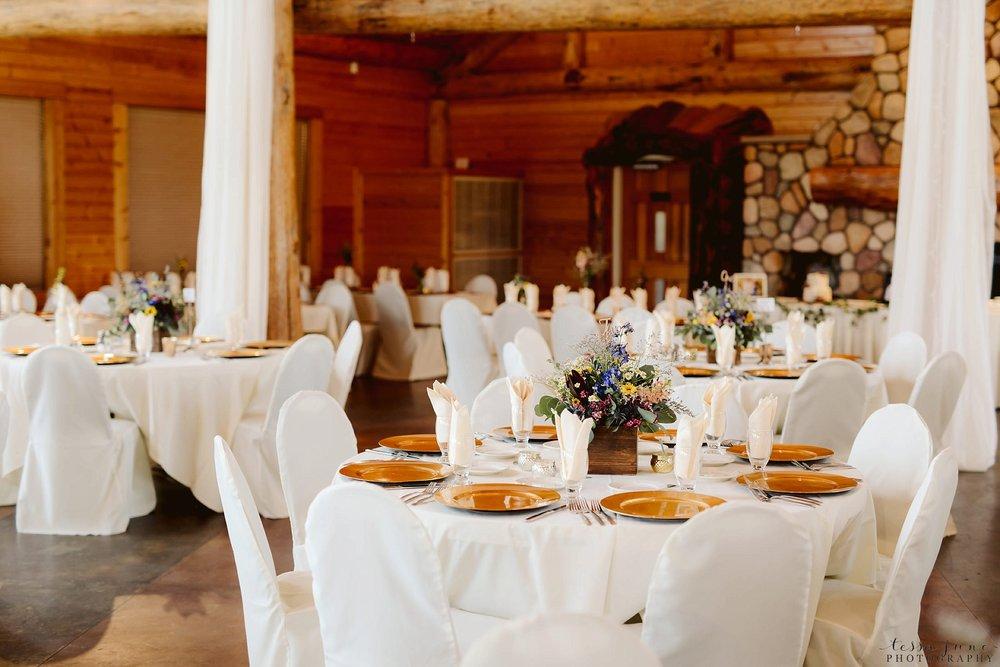 The-grands-at-mulligans-wedding-sartell-minnesota-spring-floral-spring-garden-wedding-12.jpg