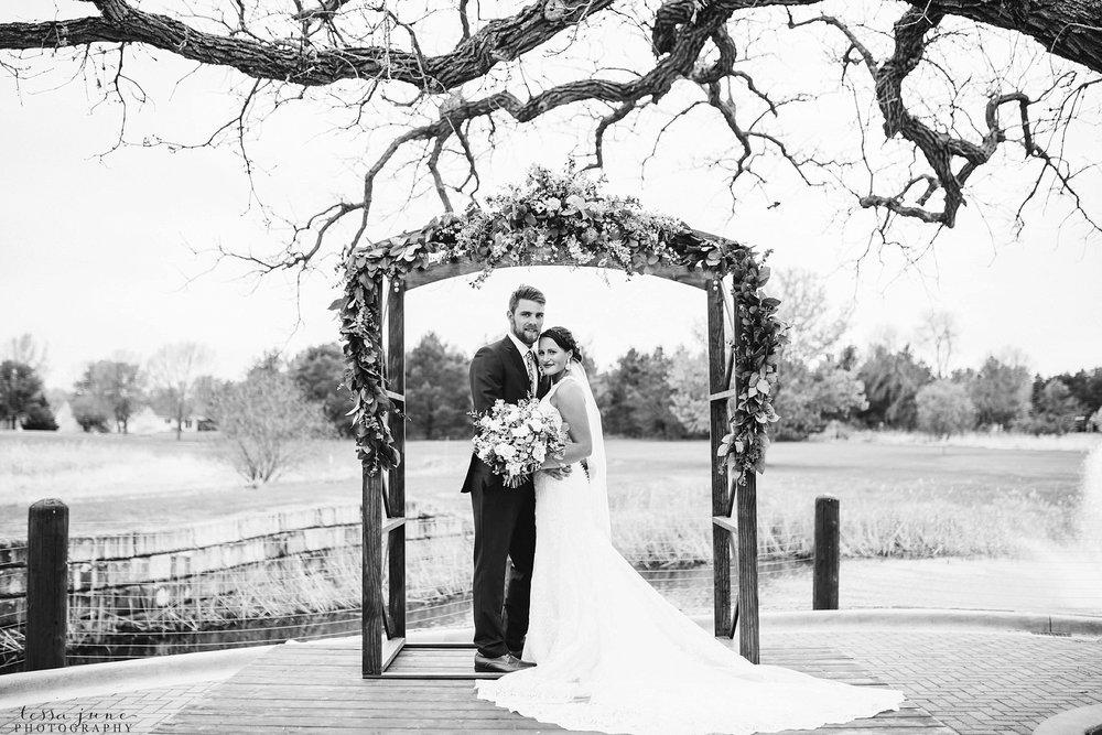 The-grands-at-mulligans-wedding-sartell-minnesota-spring-floral-spring-garden-wedding-48.jpg