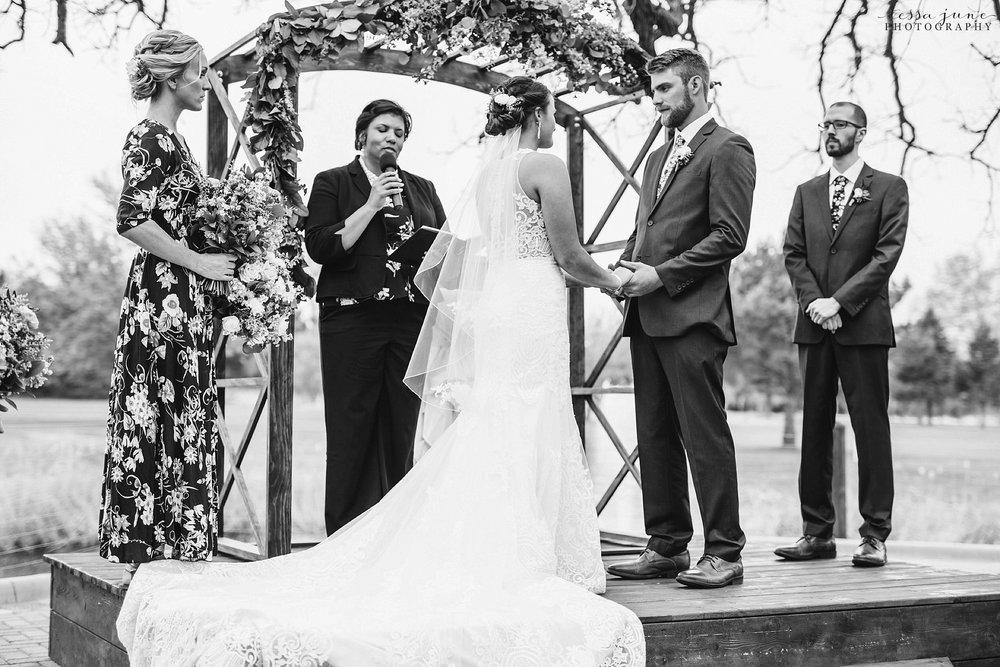 The-grands-at-mulligans-wedding-sartell-minnesota-spring-floral-spring-garden-wedding-92.jpg