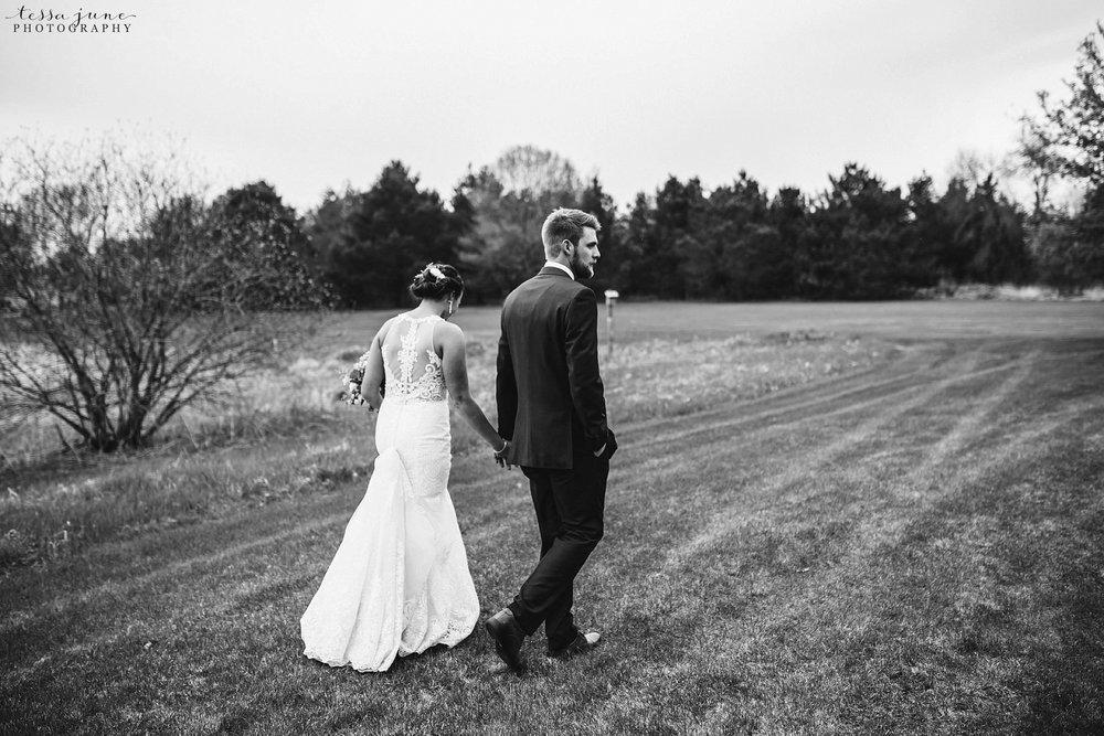The-grands-at-mulligans-wedding-sartell-minnesota-spring-floral-spring-garden-wedding-121.jpg
