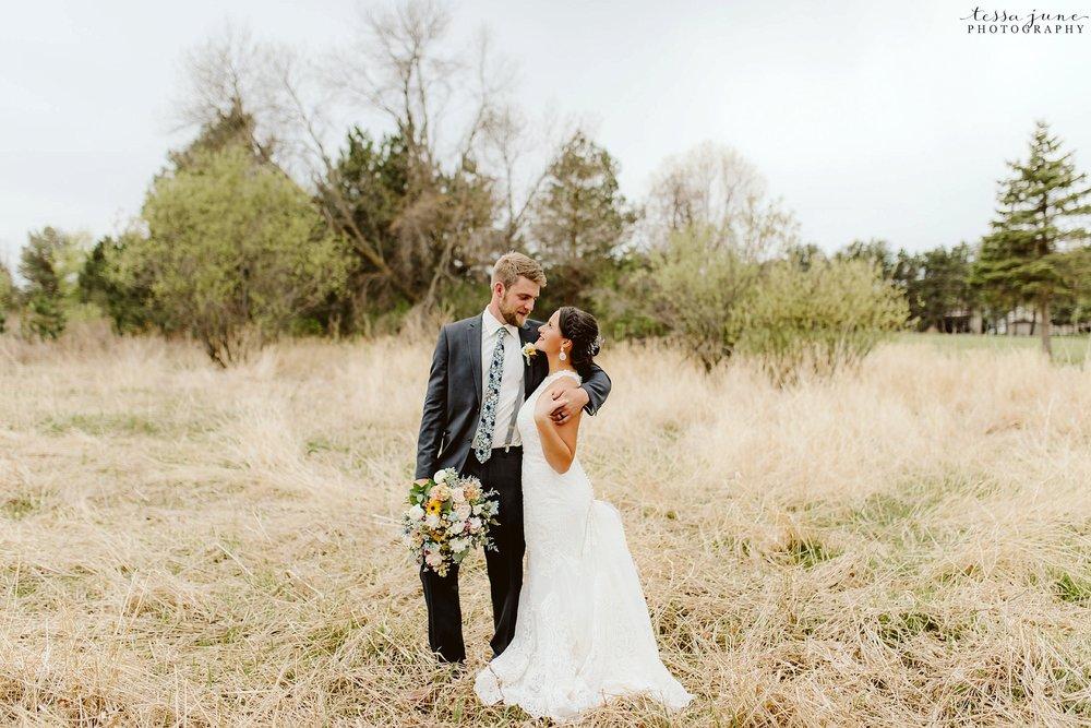 The-grands-at-mulligans-wedding-sartell-minnesota-spring-floral-spring-garden-wedding-127.jpg