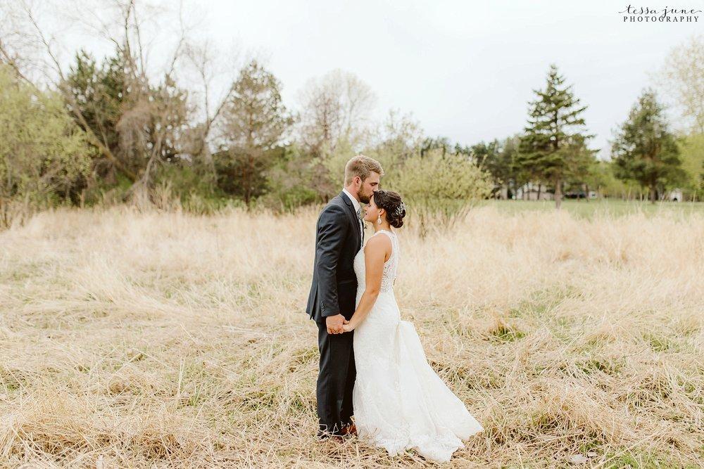 The-grands-at-mulligans-wedding-sartell-minnesota-spring-floral-spring-garden-wedding-133.jpg