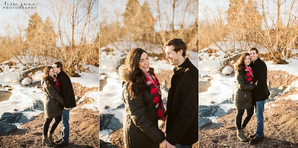 winter-duluth-engagement-at-park-pointe-snow-aly-alex-19.jpg