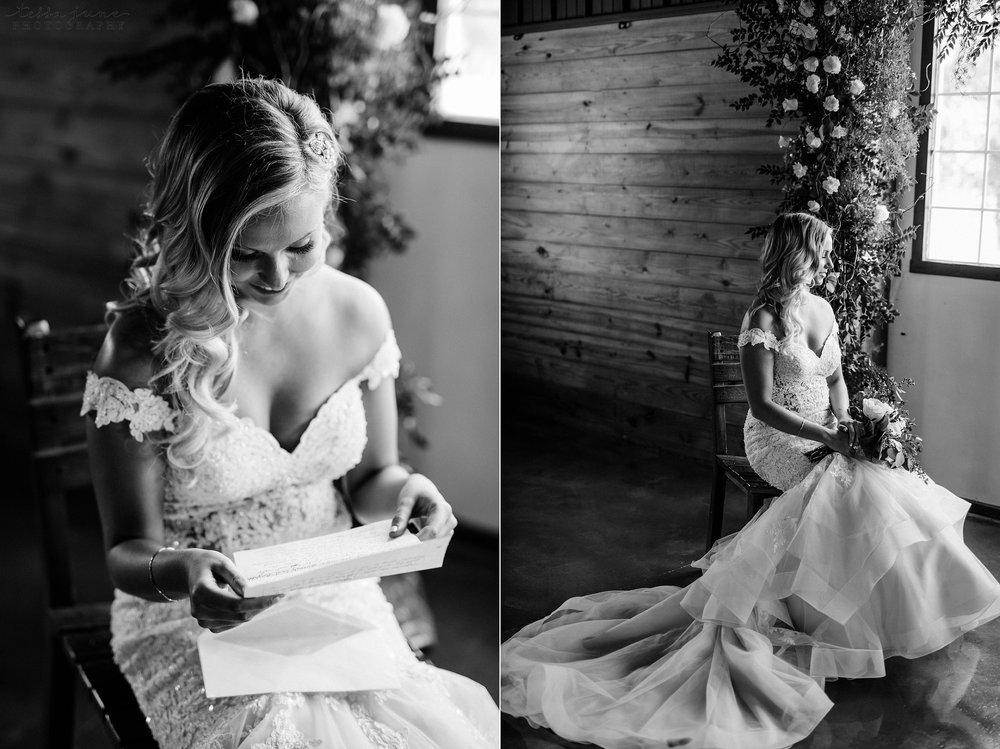 carlos-creek-winery-wedding-alexandria-minnesota-glam-elegant-floral-29.jpg