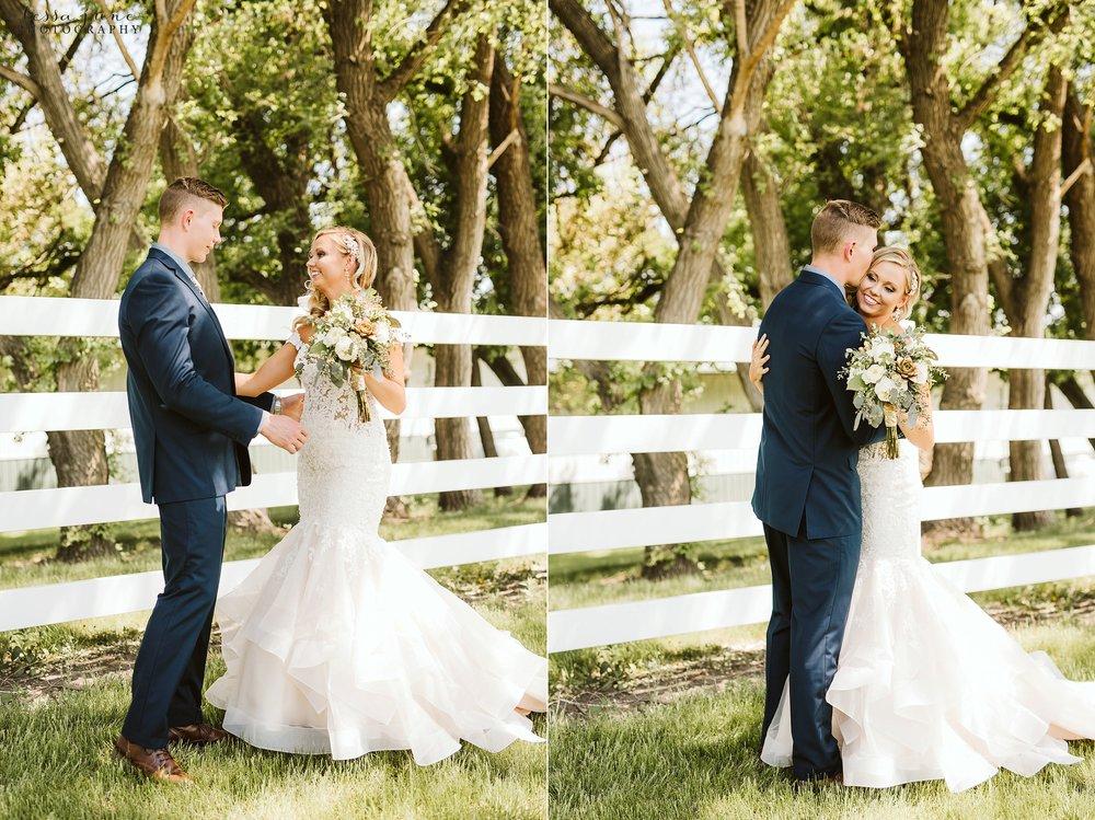 carlos-creek-winery-wedding-alexandria-minnesota-glam-elegant-floral-34.jpg