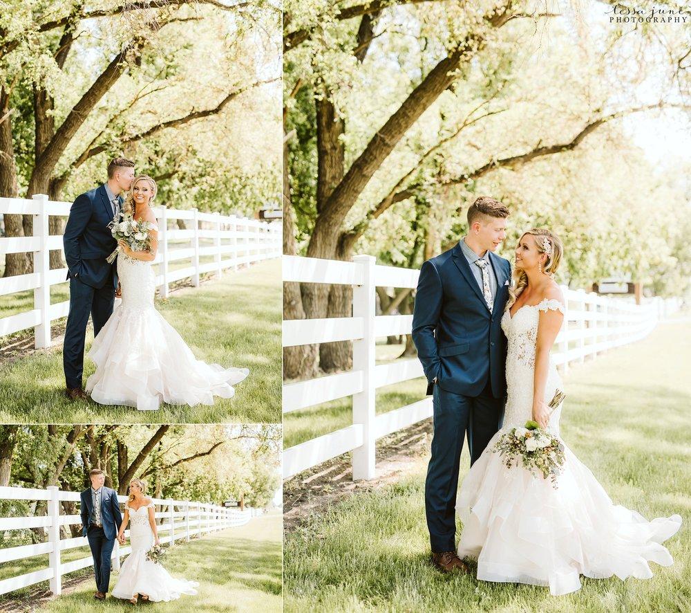 carlos-creek-winery-wedding-alexandria-minnesota-glam-elegant-floral-39.jpg