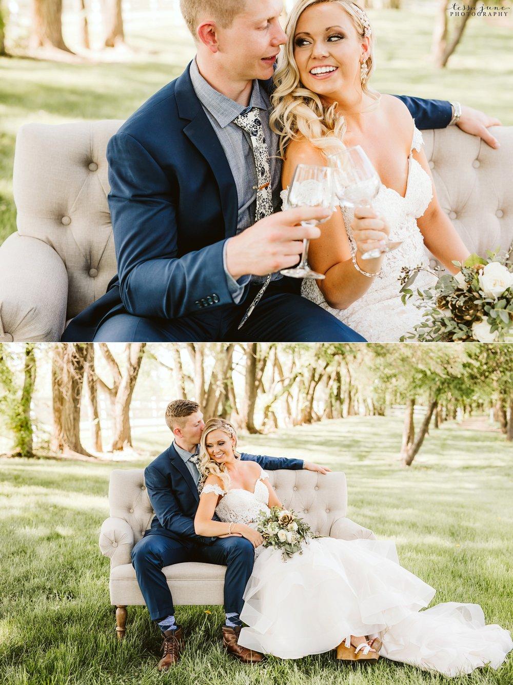 carlos-creek-winery-wedding-alexandria-minnesota-glam-elegant-floral-61.jpg