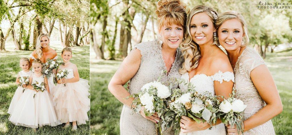 carlos-creek-winery-wedding-alexandria-minnesota-glam-elegant-floral-55.jpg