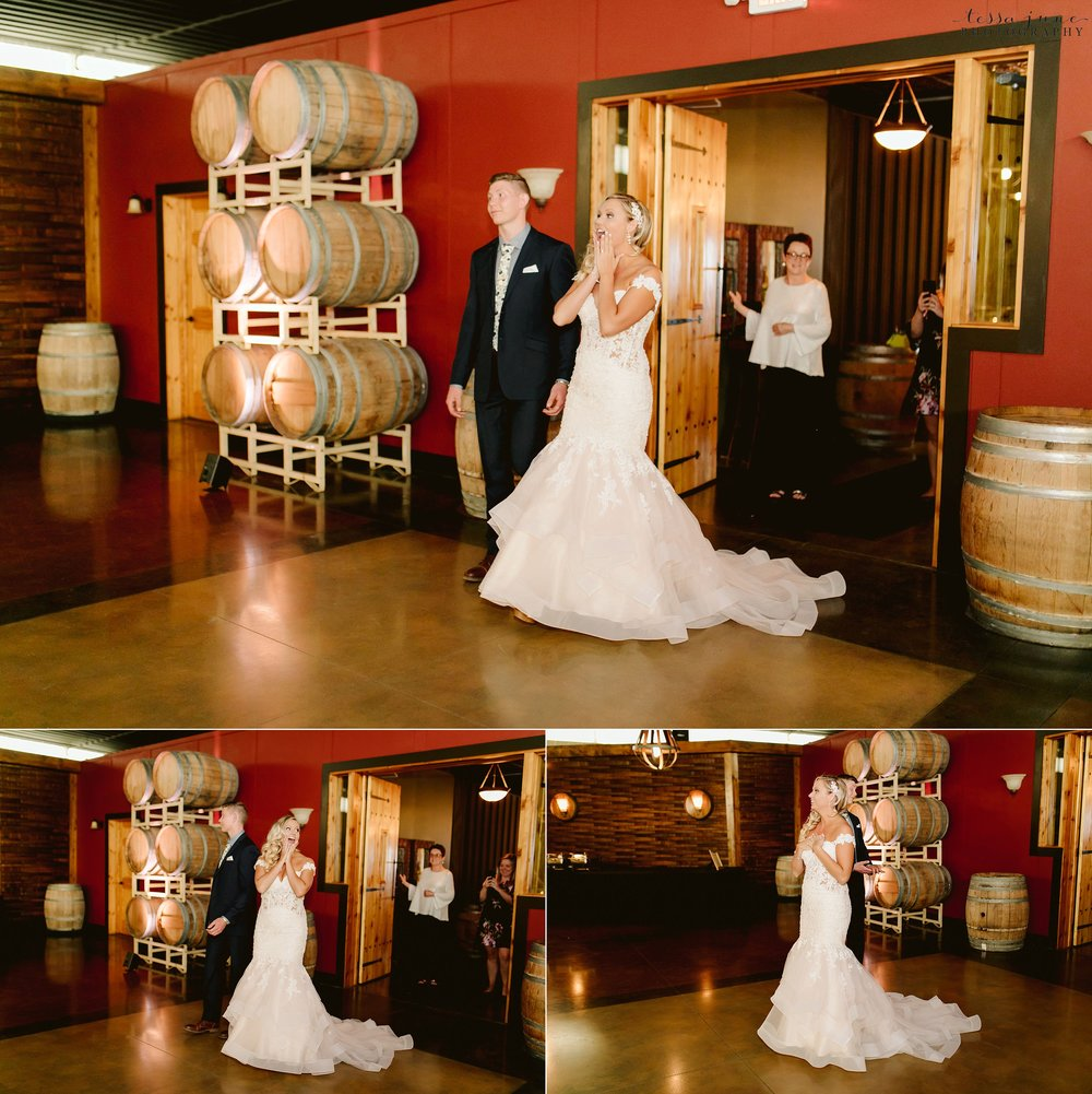 carlos-creek-winery-wedding-alexandria-minnesota-glam-elegant-floral-76.jpg