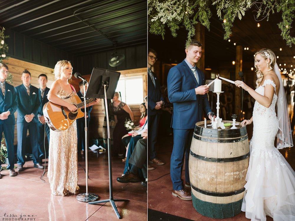 carlos-creek-winery-wedding-alexandria-minnesota-glam-elegant-floral-108.jpg