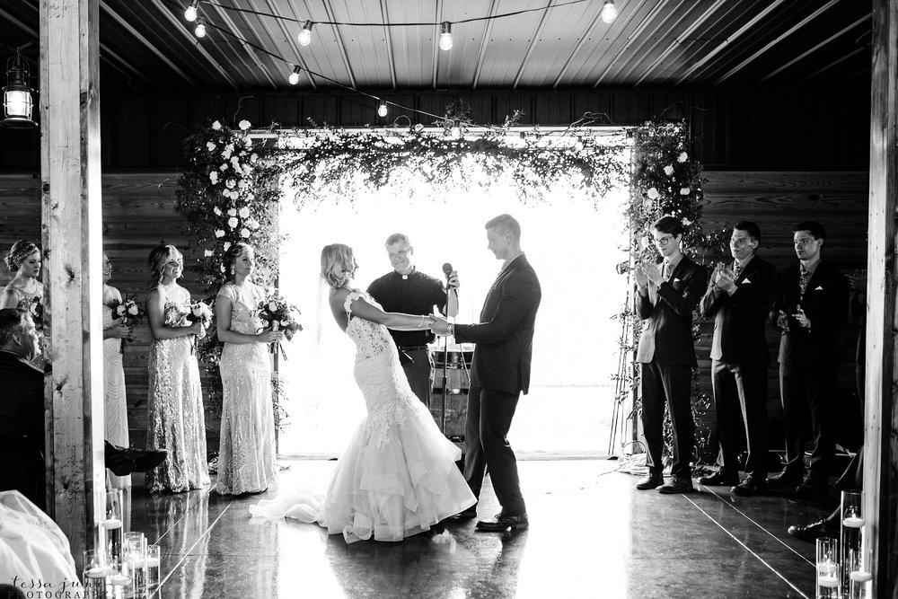 carlos-creek-winery-wedding-alexandria-minnesota-glam-elegant-floral-112.jpg