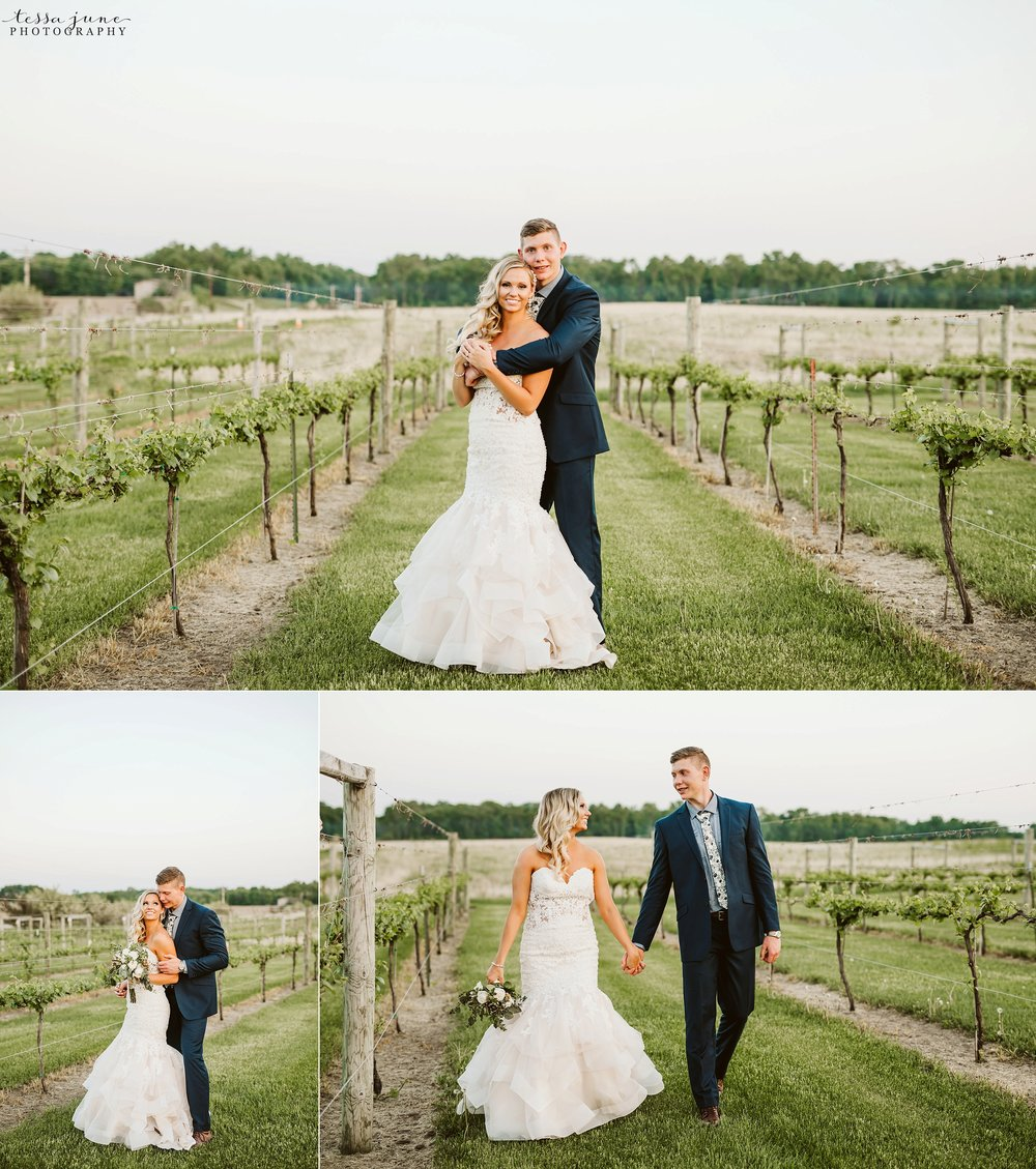 carlos-creek-winery-wedding-alexandria-minnesota-glam-elegant-floral-158.jpg