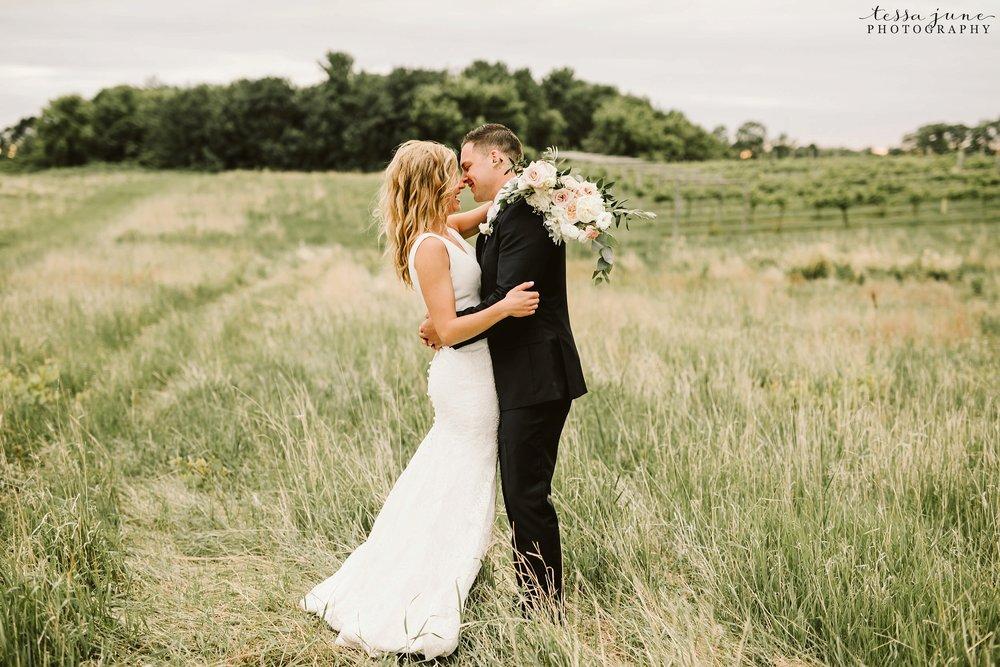carlos-creek-winery-wedding-summer-pristine-floral-blush-pink-navy-alexandria-minnesota-165.jpg
