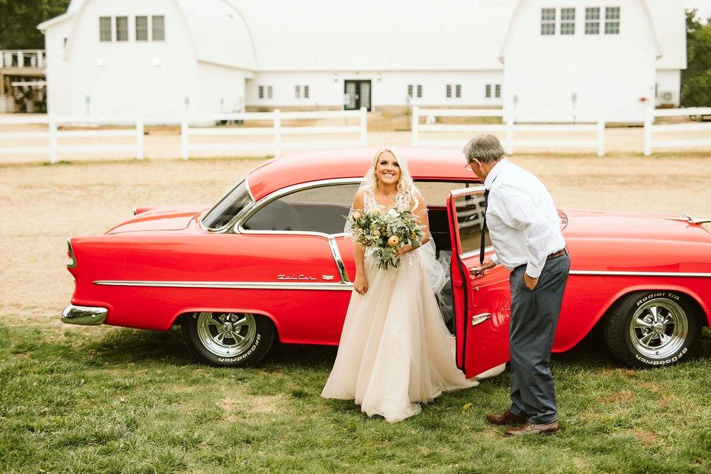 john-p-furber-farm-wedding-in-september-blush-and-coral-flowers-120.jpg