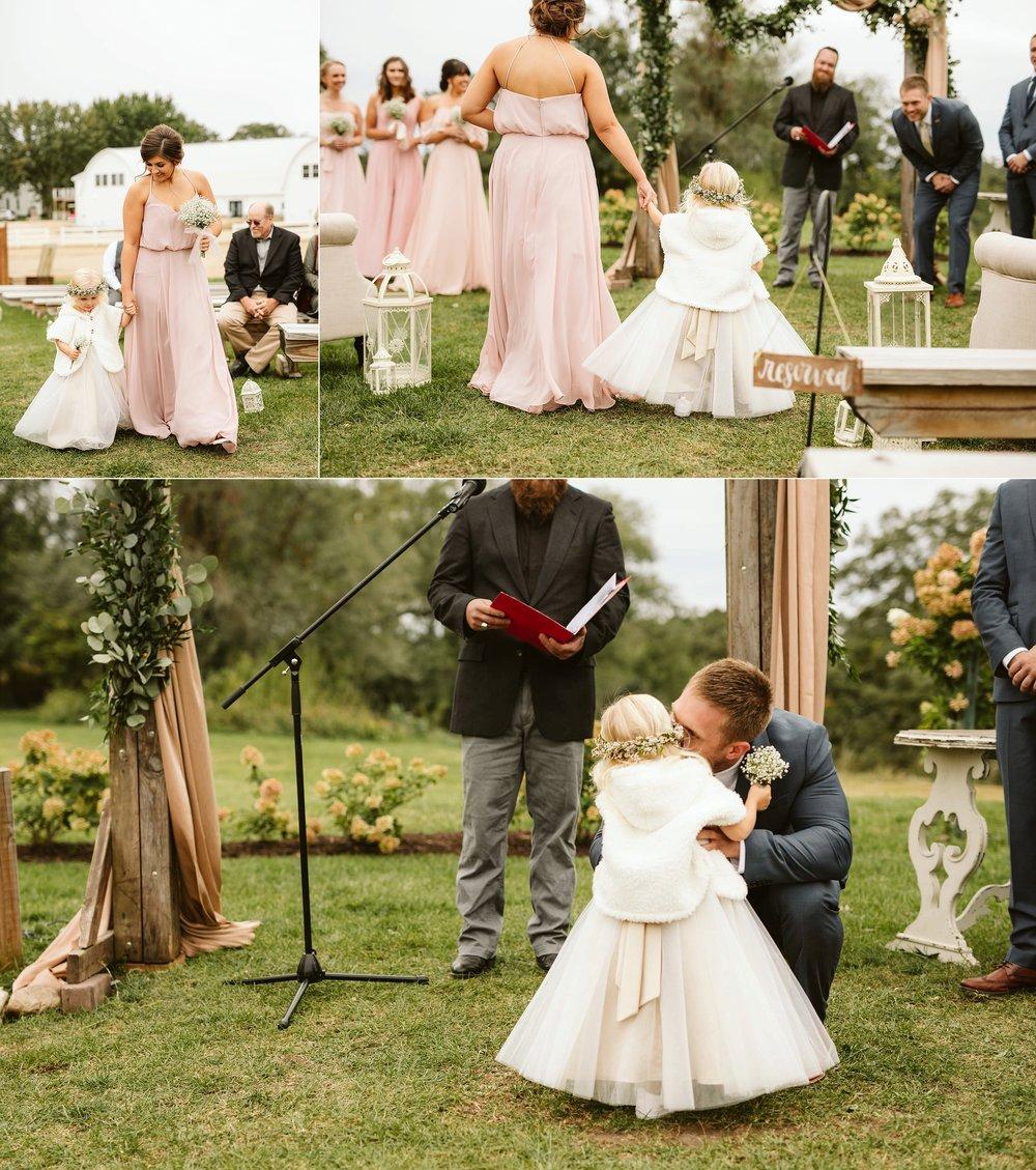 john-p-furber-farm-wedding-in-september-blush-and-coral-flowers-117.jpg