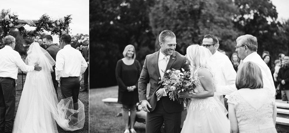 john-p-furber-farm-wedding-in-september-blush-and-coral-flowers-124.jpg
