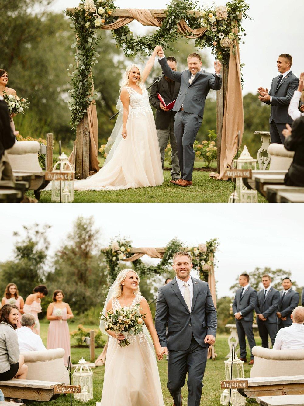 john-p-furber-farm-wedding-in-september-blush-and-coral-flowers-132.jpg