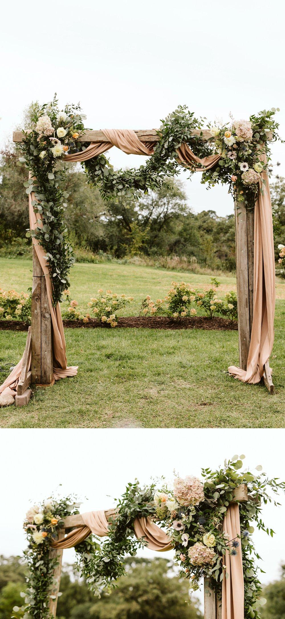john-p-furber-farm-wedding-in-september-blush-and-coral-flowers-139.jpg