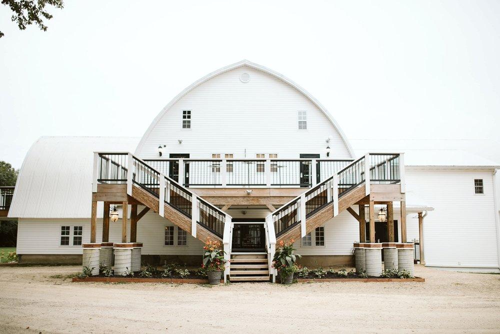 john-p-furber-farm-wedding-in-september-blush-and-coral-flowers-165.jpg