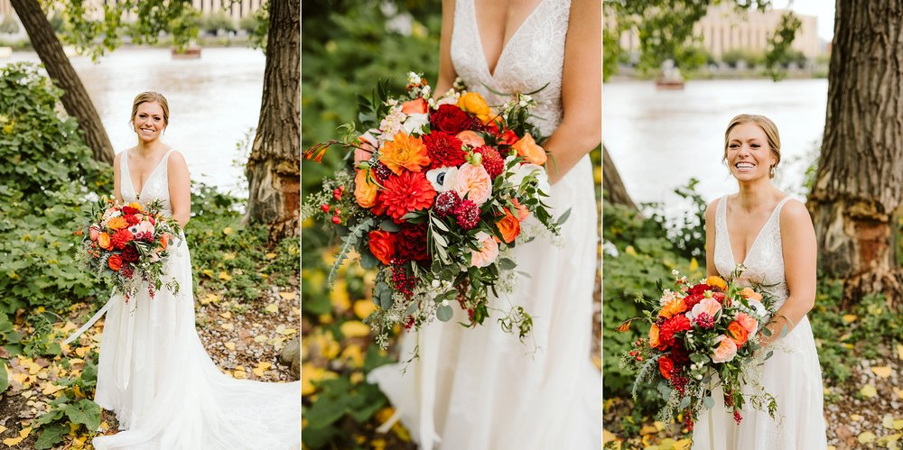 Nicollet-Island-Pavilion-Minneapolis-September-Coral-Navy-Wedding-42.jpg