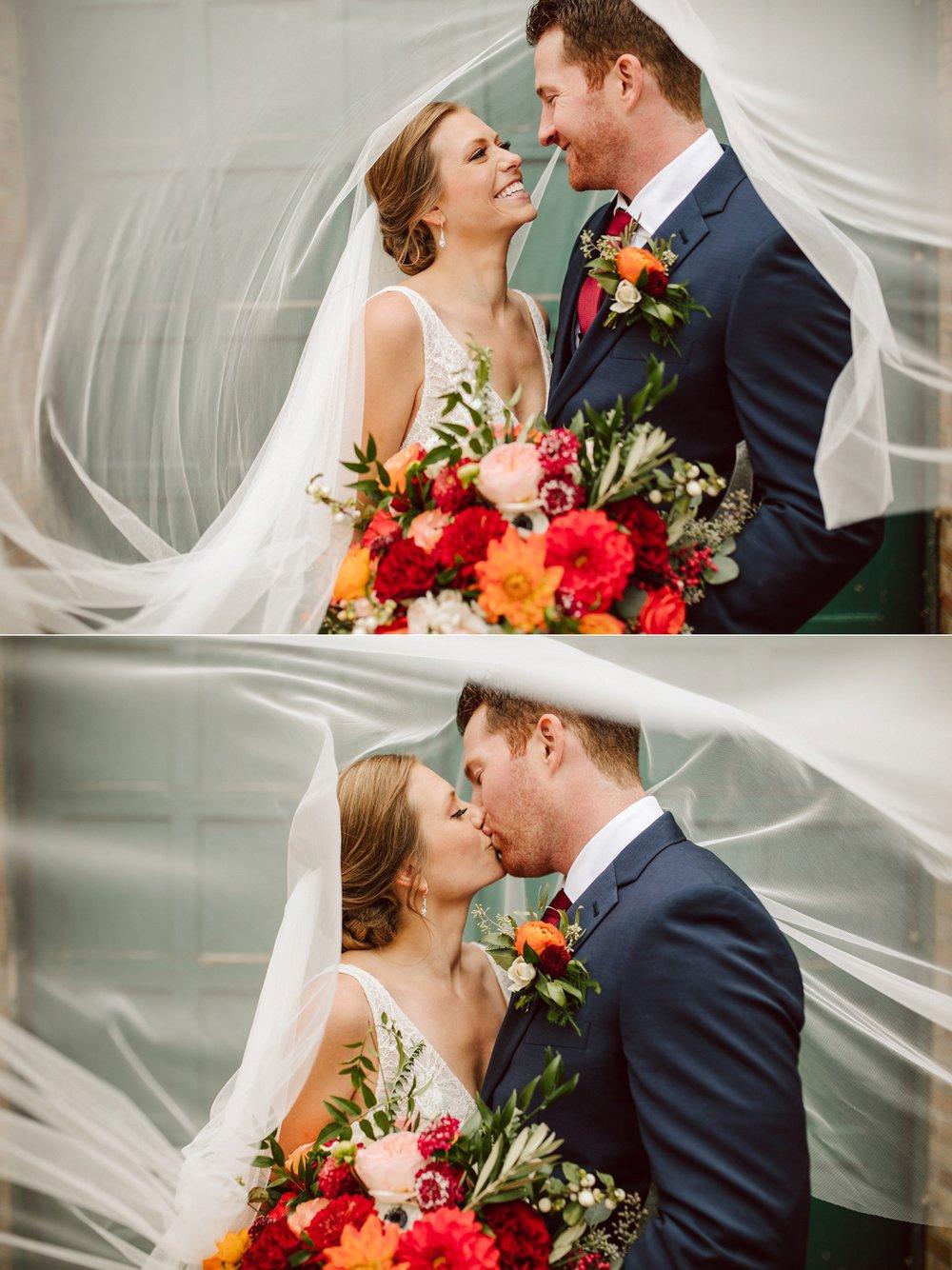 Nicollet-Island-Pavilion-Minneapolis-September-Coral-Navy-Wedding-60.jpg