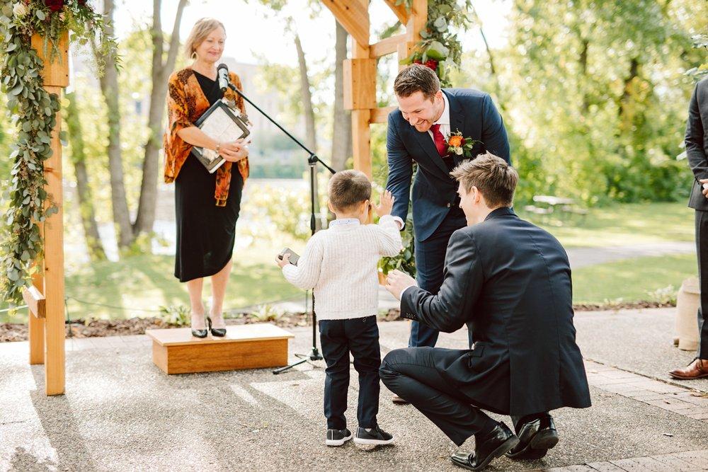 Nicollet-Island-Pavilion-Minneapolis-September-Coral-Navy-Wedding-98.jpg
