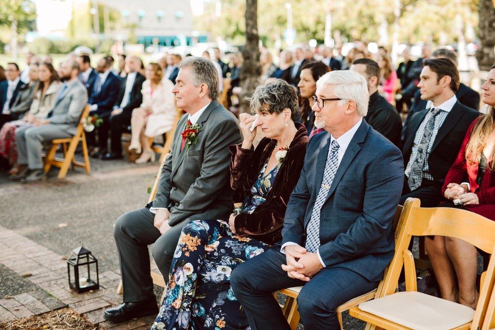 Nicollet-Island-Pavilion-Minneapolis-September-Coral-Navy-Wedding-104.jpg