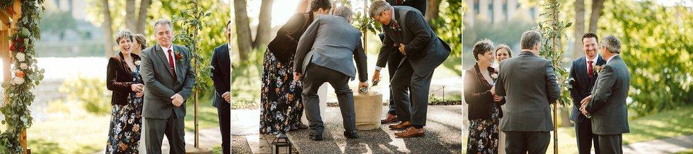 Nicollet-Island-Pavilion-Minneapolis-September-Coral-Navy-Wedding-116.jpg