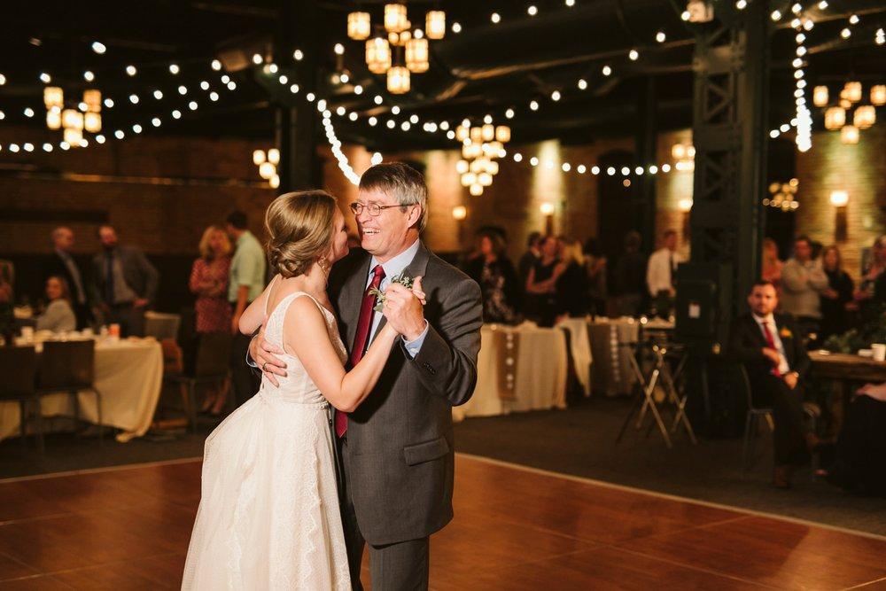 Nicollet-Island-Pavilion-Minneapolis-September-Coral-Navy-Wedding-174.jpg