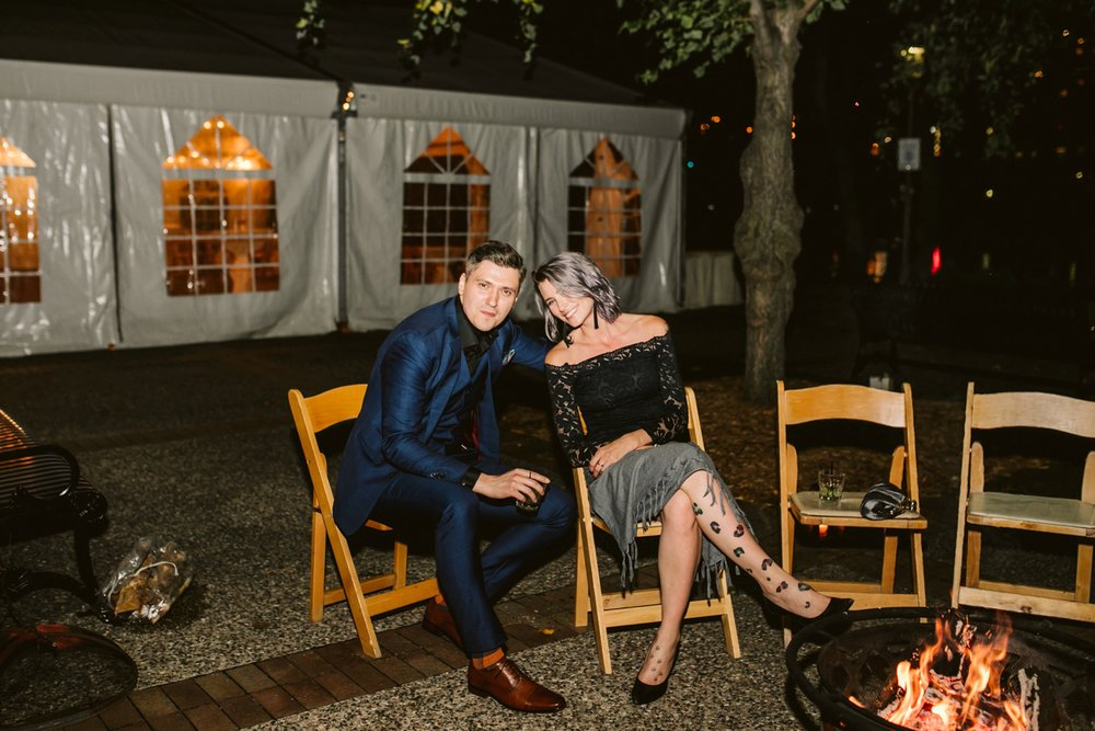 Nicollet-Island-Pavilion-Minneapolis-September-Coral-Navy-Wedding-201.jpg