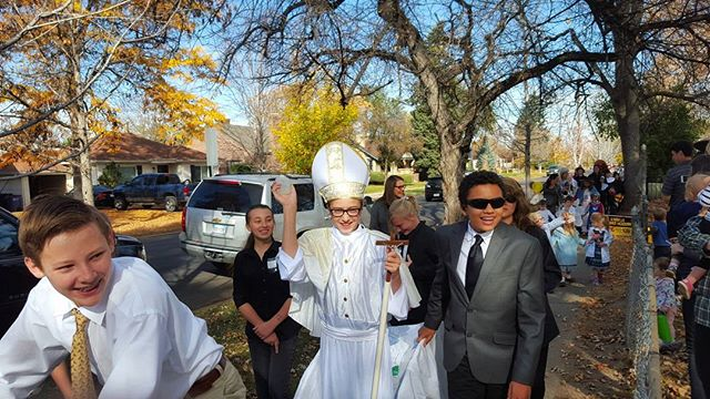 In case you missed it, the Holy Father Pope Francis made a special appearance at Our Lady of Lourdes Classical School today! Happy Solemnity of All Saints from Lourdes!  #LourdesDenver #denvercatholic #catholic  #papafrancesco #AllSaintsDay #HolyDay #Fall #Saints #pope