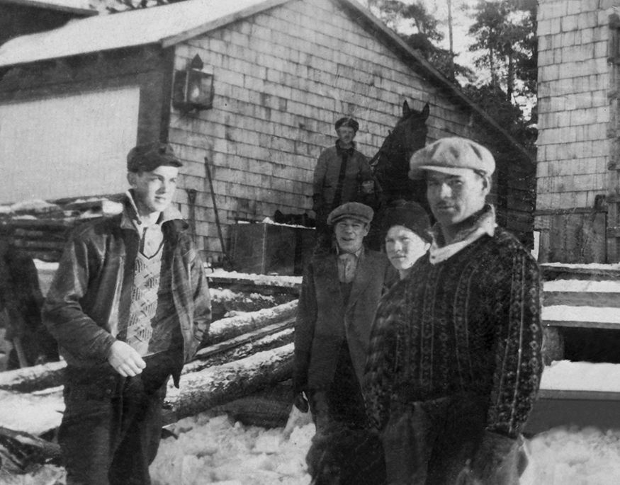 Albert Desmasdon (near left) organized the ice crews for the Ojibway. The men slept and ate in the hotel's cottages and usually worked from December to February.
