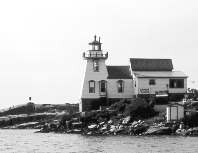 It was love at first sight, and Emmaline and Carl raised their family at the Pointe au Baril lighthouse.