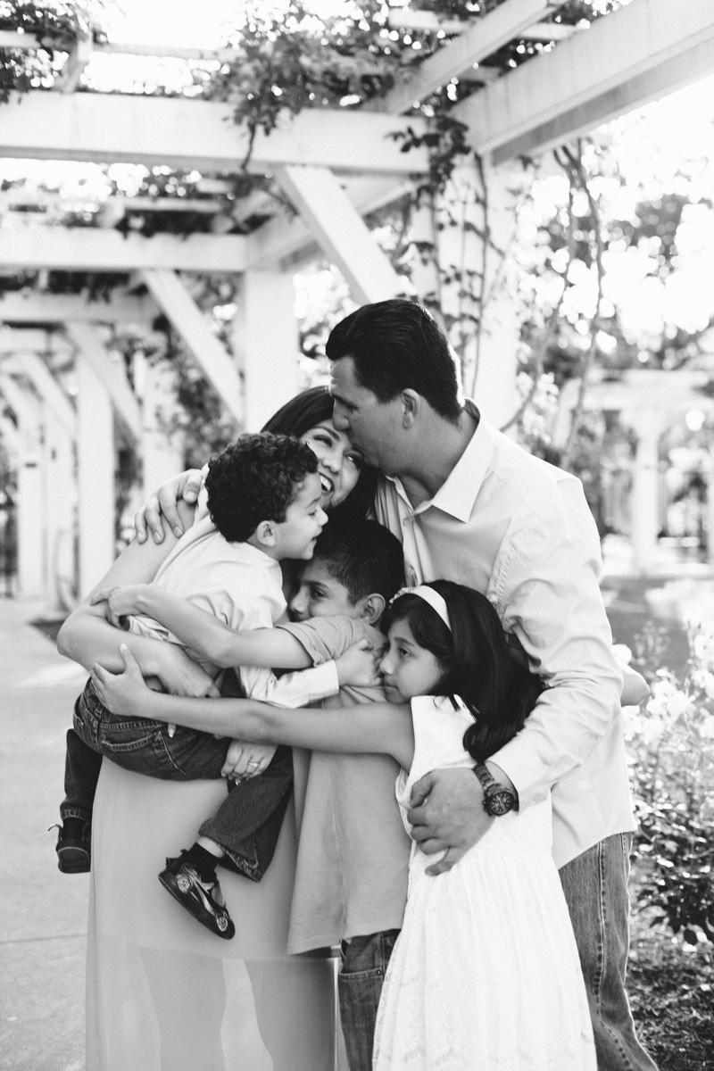 lacy park san marino family portraits-7762.jpg