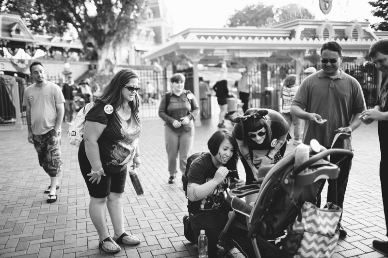 disneyland family portraits-5412.jpg