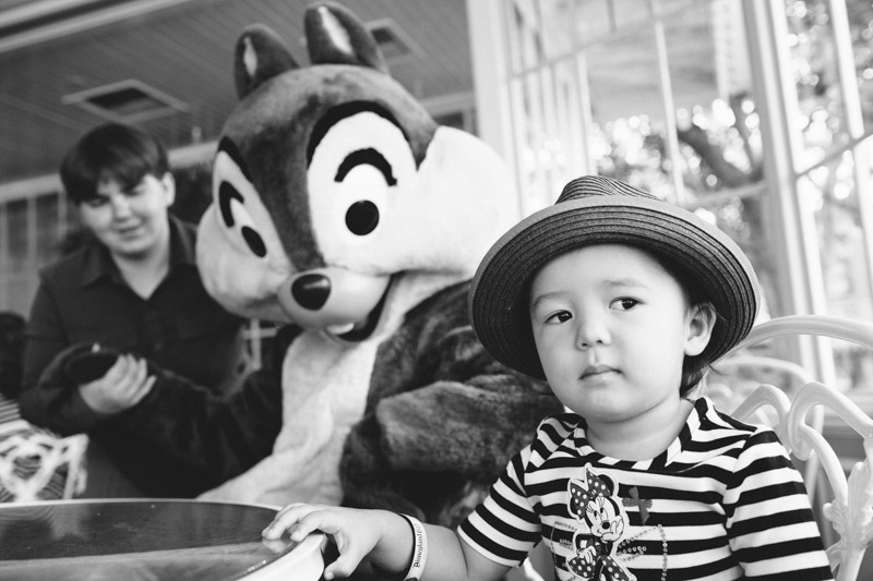 disneyland family portraits-5420.jpg