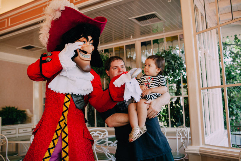 disneyland family portraits-5473.jpg