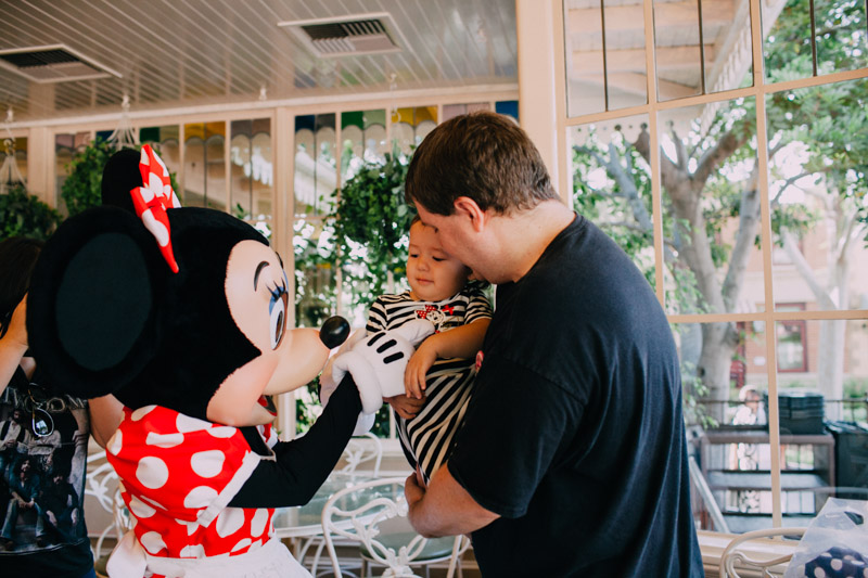 disneyland family portraits-5479.jpg