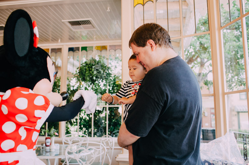 disneyland family portraits-5483.jpg