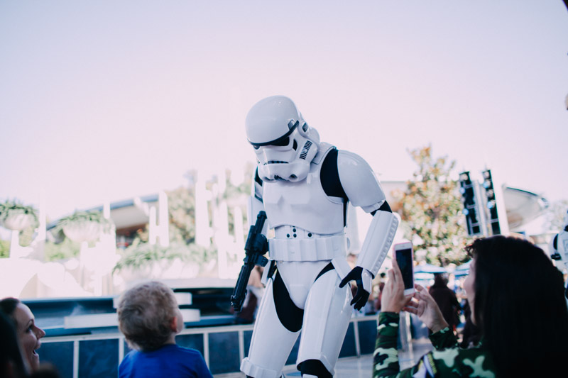 disneyland family portraits-5588.jpg