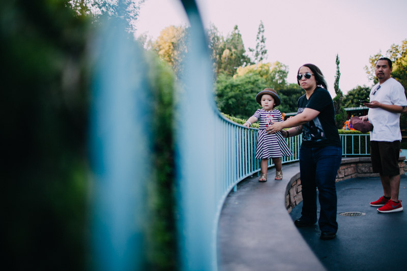 disneyland family portraits-5646.jpg